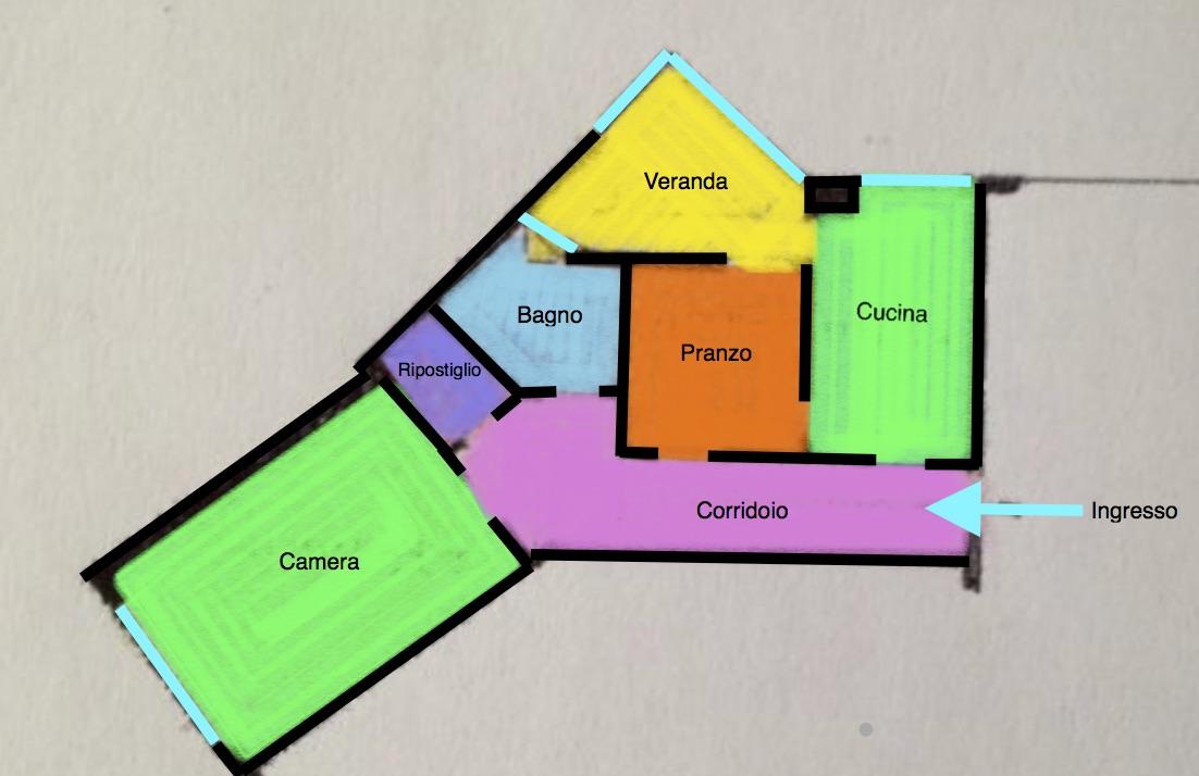 Udine lat. via Gemona: Vendesi appartamento al 1°piano (anche uso ufficio).